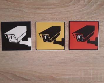 Nemokami kamerų lipdukai 100x100mm www.saugiteritorija.lt