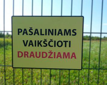 Pašaliniams vaikščioti draudžiama 40x30